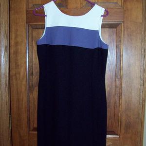 WOMANS CASUAL CORNER SLEEVELESS DRESS, SIZE 6
